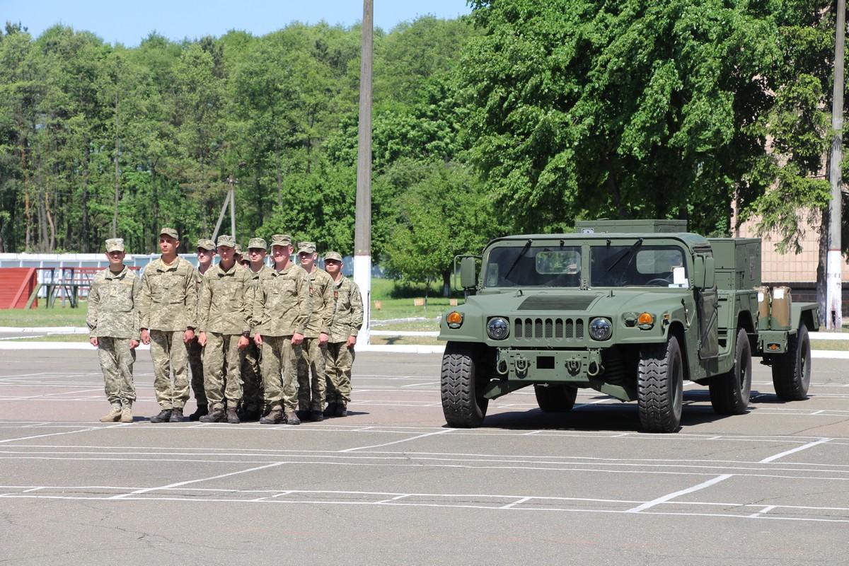 США передали Збройним Силам України два сучасні контрбатарейні радари класу AN/TPQ-36