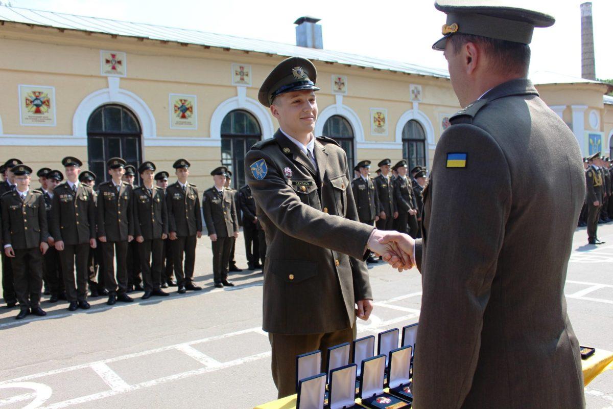У вихованців Київського військового ліцею імені Івана Богуна відбулося свято останнього дзвоника
