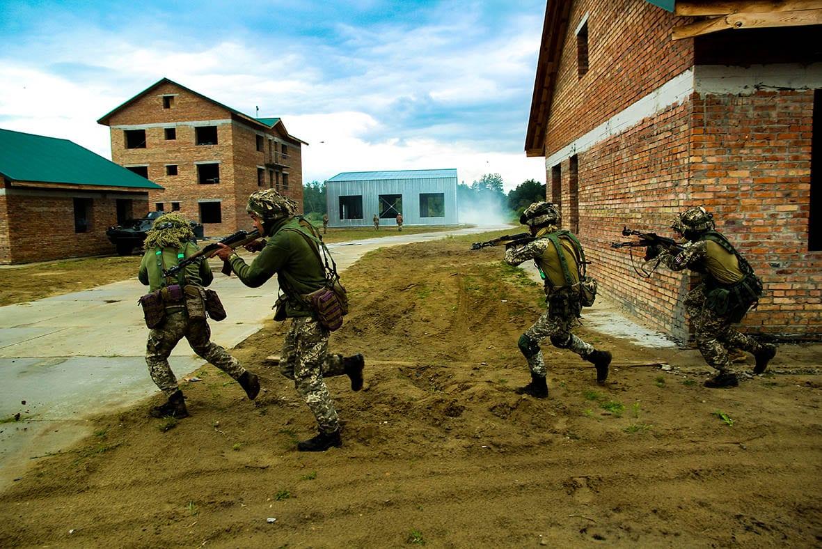 У ДШВ провели повномасштабні бригадні тактичні навчання