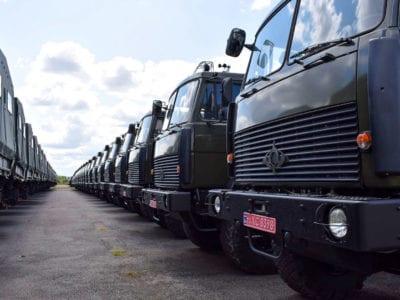 Майже сотню нових МАЗів відправили до війська