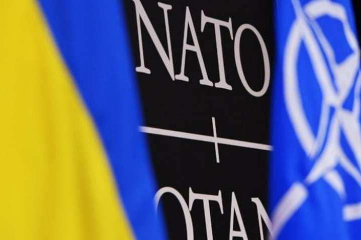 НАТО зацікавлене у сильній українській армії