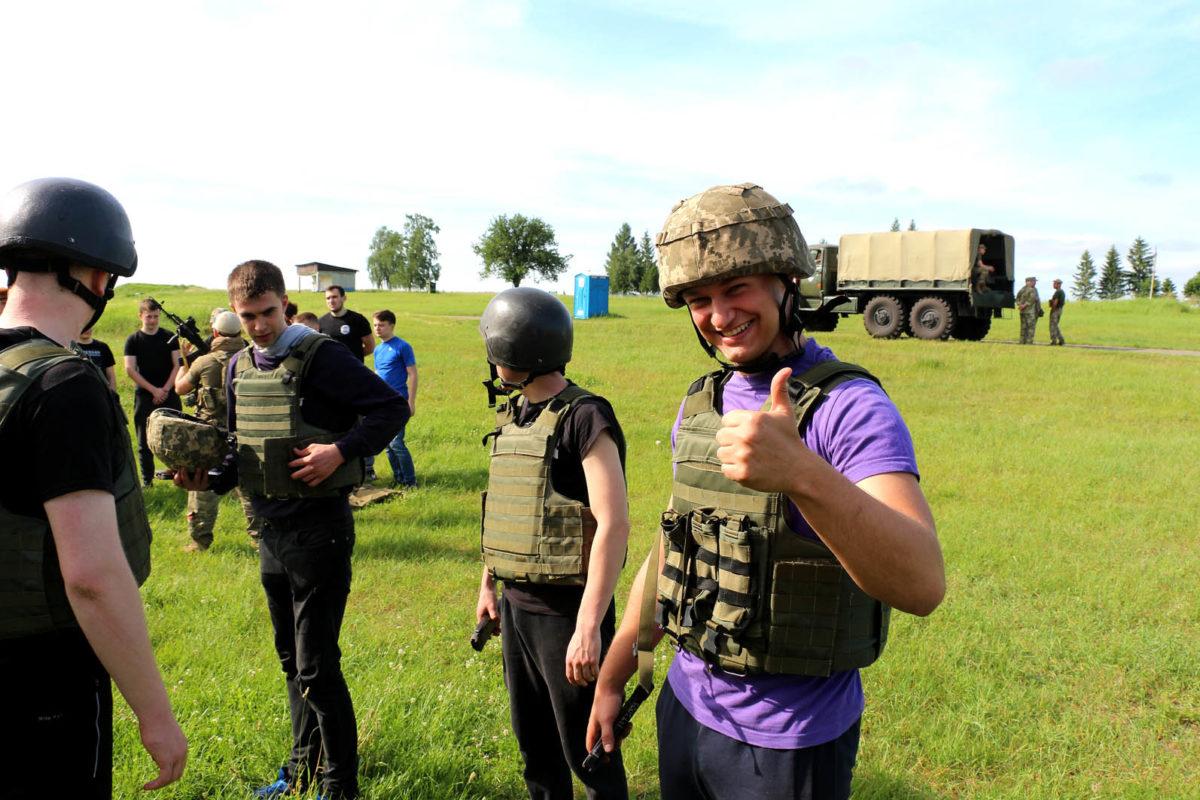 Студенти-медики проходять бойовий вишкіл