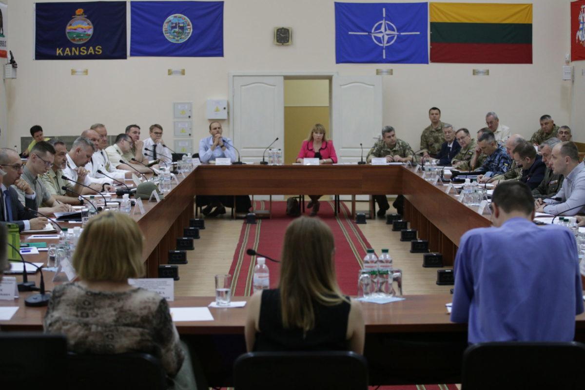 Як визволити українських моряків з полону?