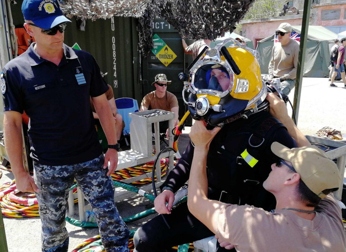 «Сі Бриз-2019»: міжнародний загін водолазів тренується надавати першу допомогу постраждалим в акваторії одеського порту