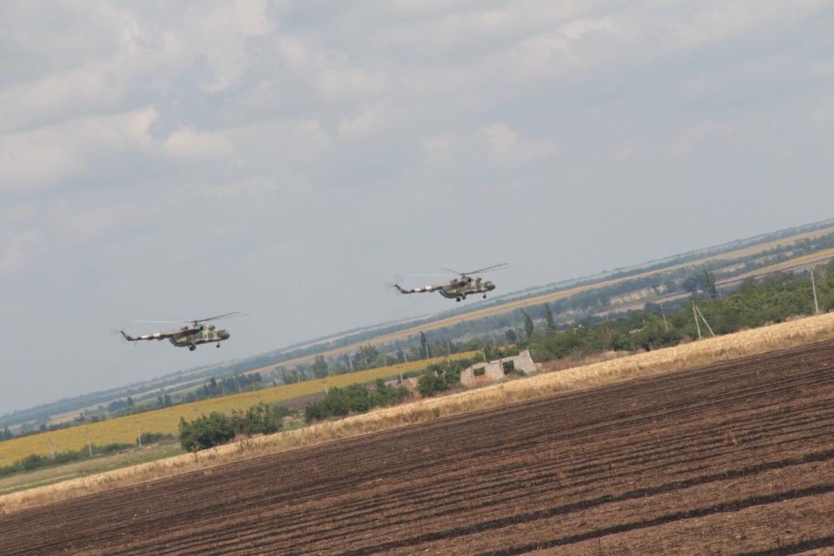 На фото: гелікоптери