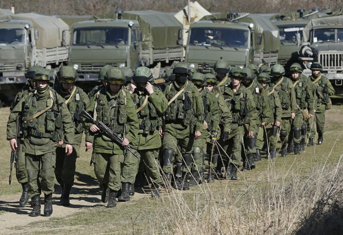 Росія продовжує брязкати зброєю