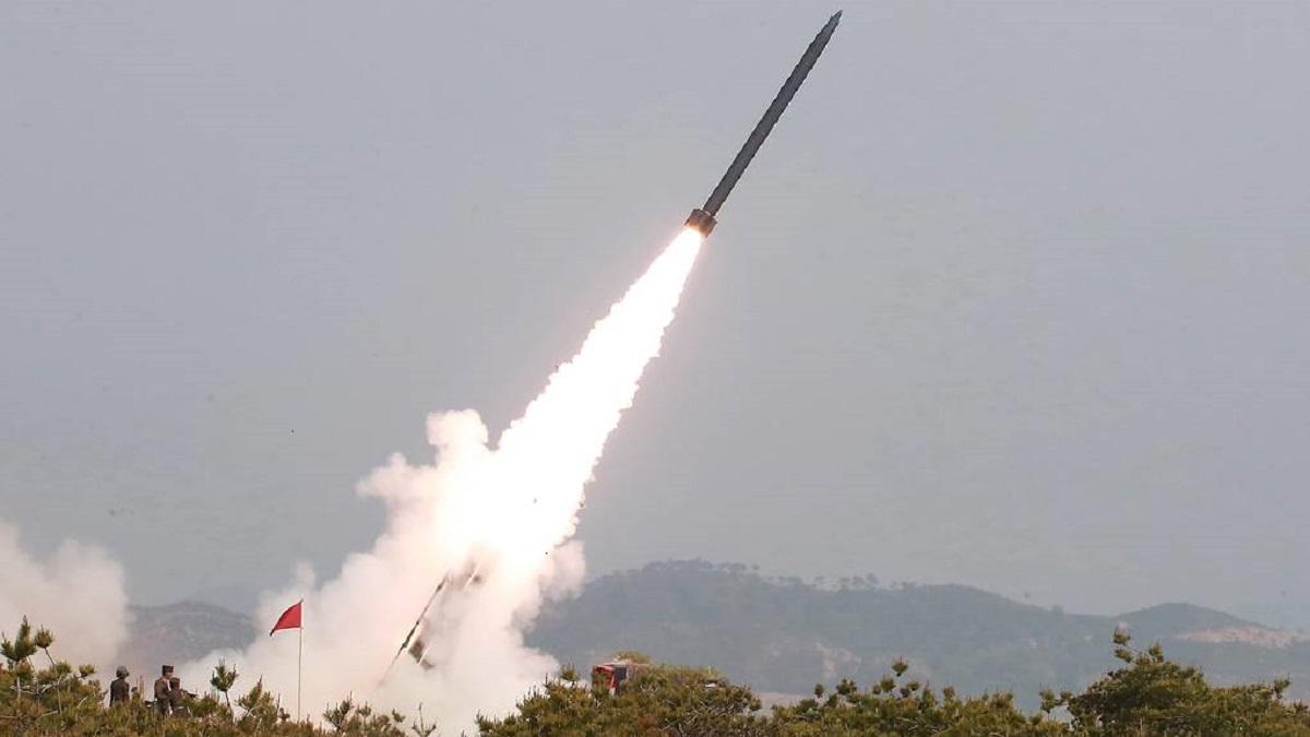 КНДР запустила ще дві ракети в Японське море