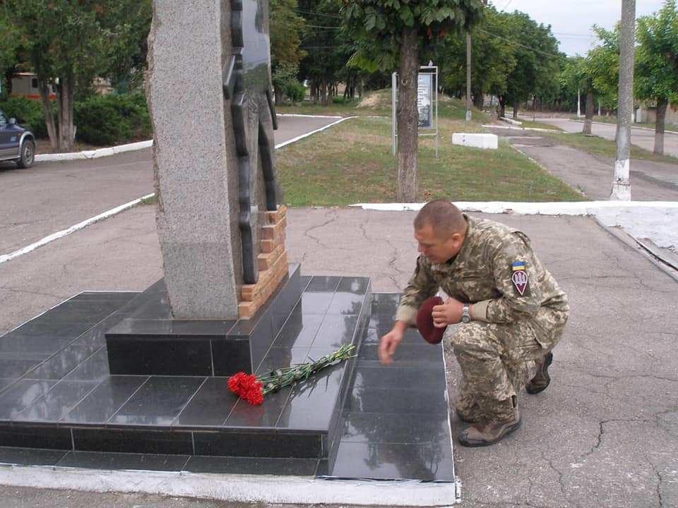 Символи пам'яті: 2 серпня українські десантники вшановують загиблих побратимів