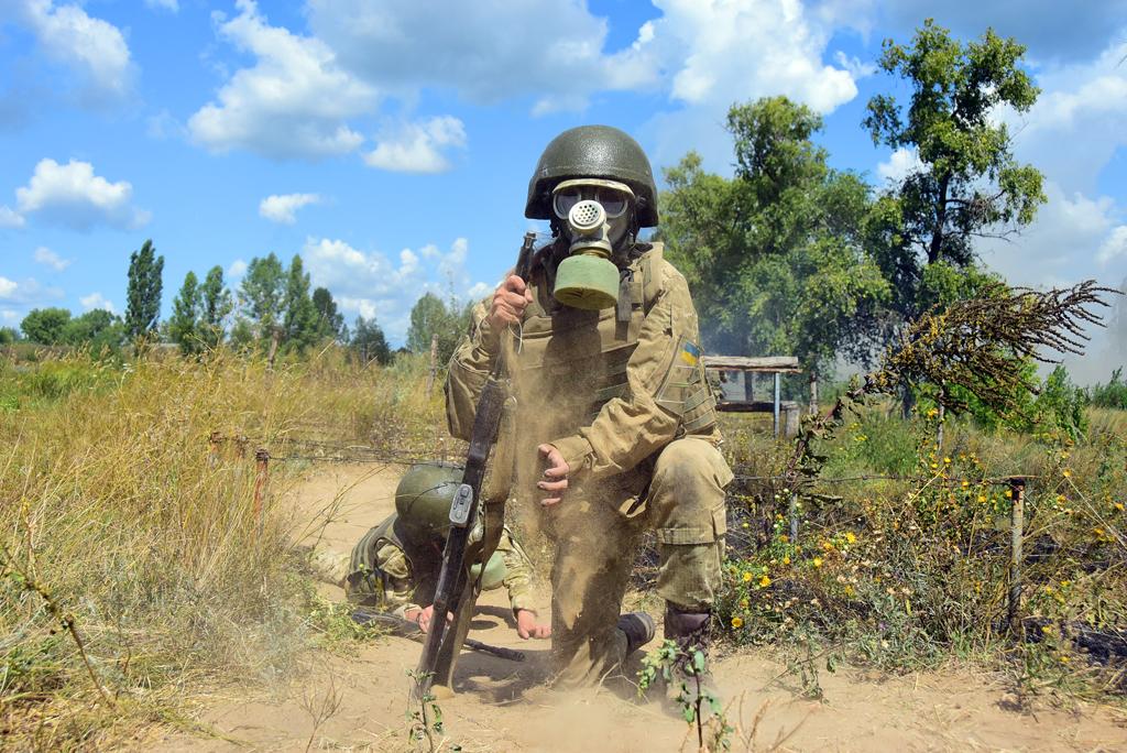 Пройти крізь вогонь та знищити ворожий танк