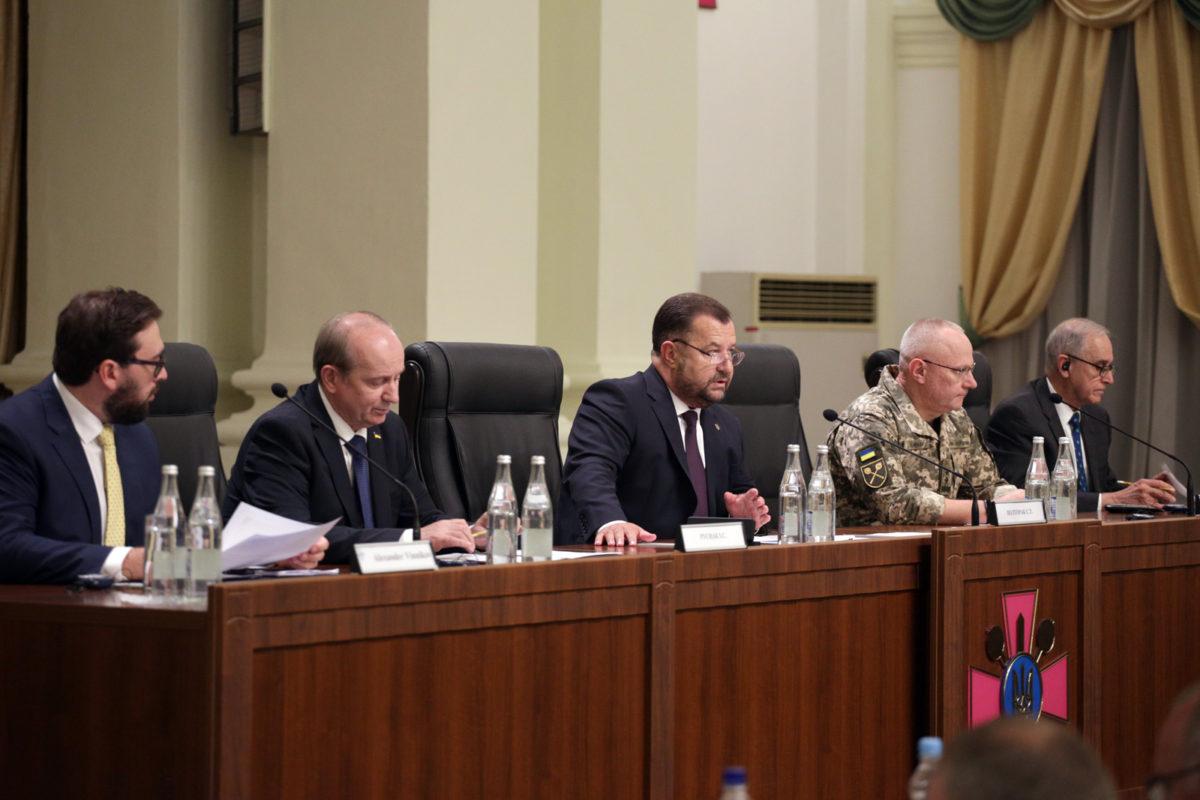 Оборонна реформа та оборонний огляд – головні пріоритети діяльності Міноборони та Збройних Сил України