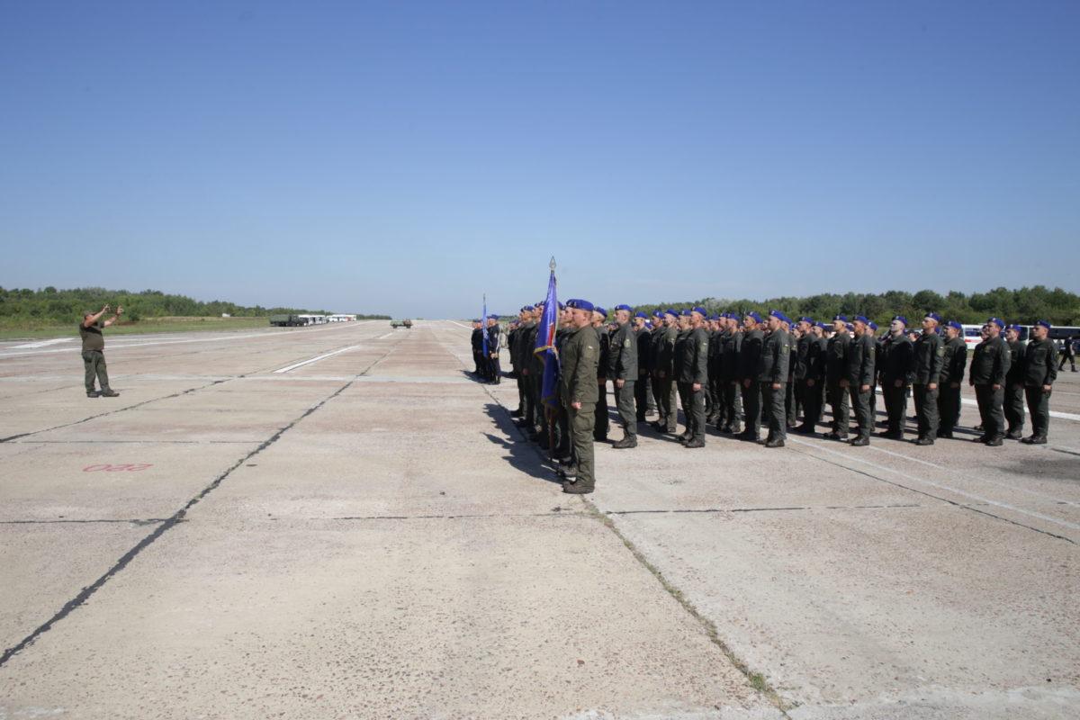 Спільне тренування силовиків на злітній смузі заводу «Антонова» до Ходи Гідності