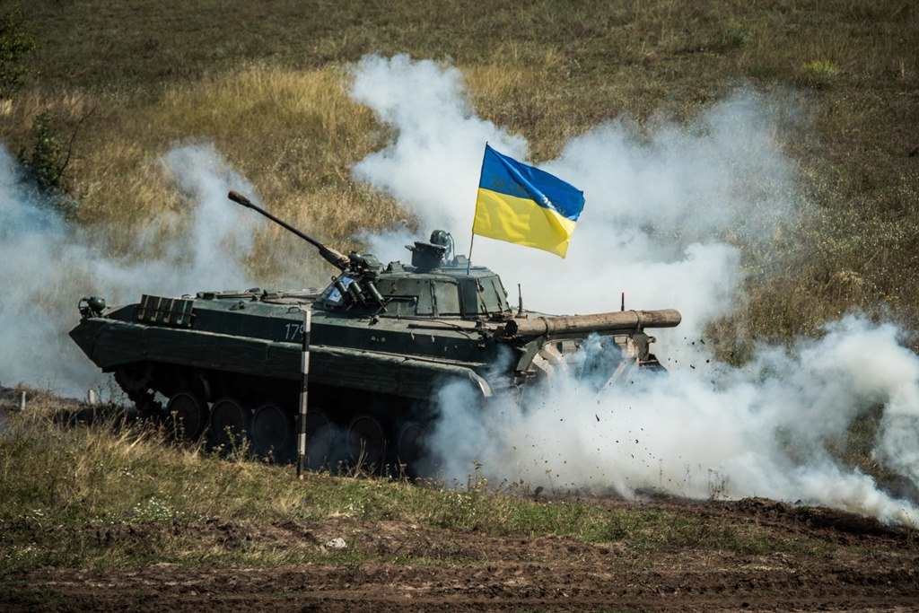 На Донбасі обирали найкращий екіпаж БМП Об'єднаних сил