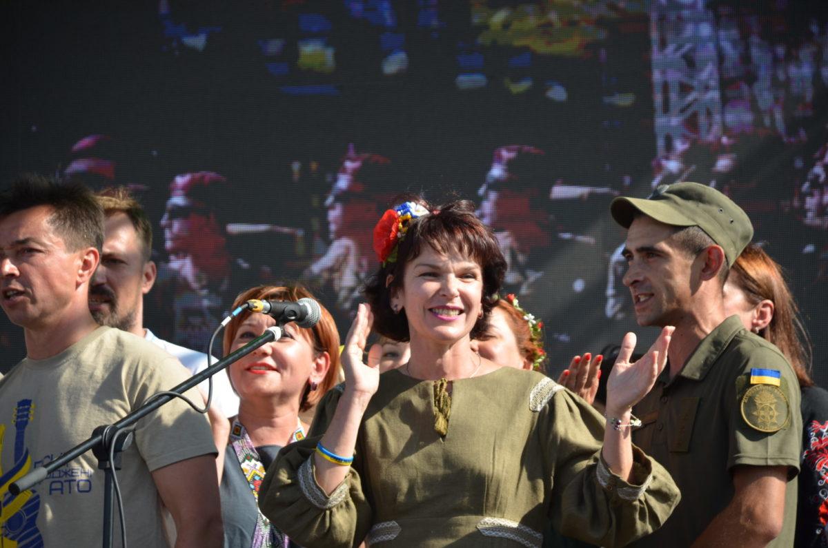 Пісня об'єднала військових і волонтерів