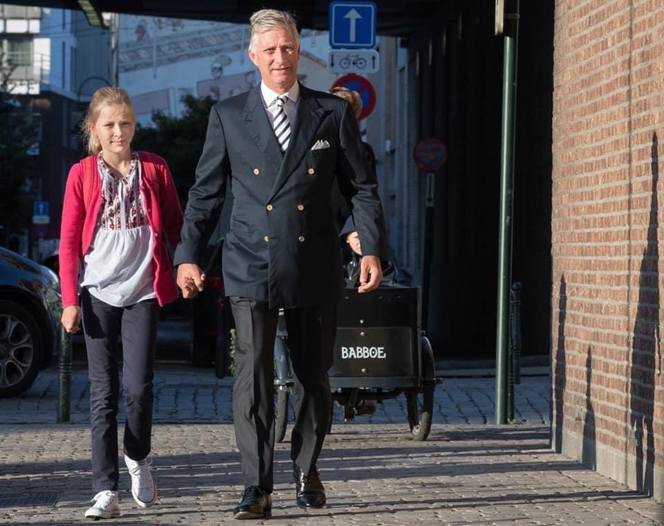 Бельгійська принцеса вдягнула до школи вишиванку