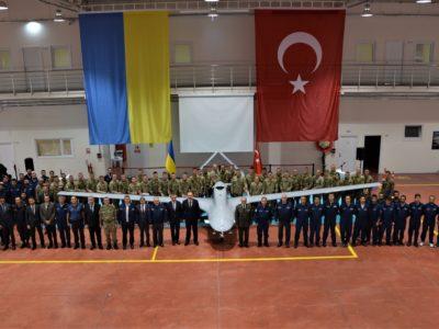 Українські військовослужбовці отримали сертифікати на експлуатацію БпАК «Bayraktar TB2»