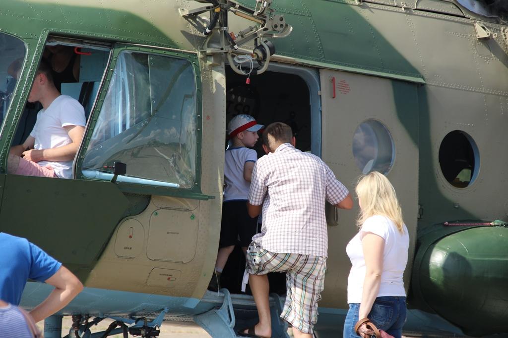 День відкритих блістерів та люків: як проходили гостини у військових авіаторів