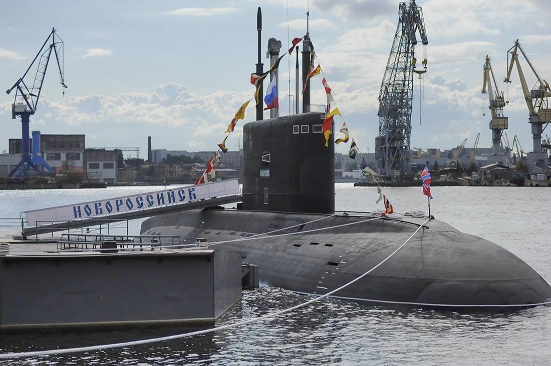 Російські підводні човни стали «на прикол» через  радянські акумулятори