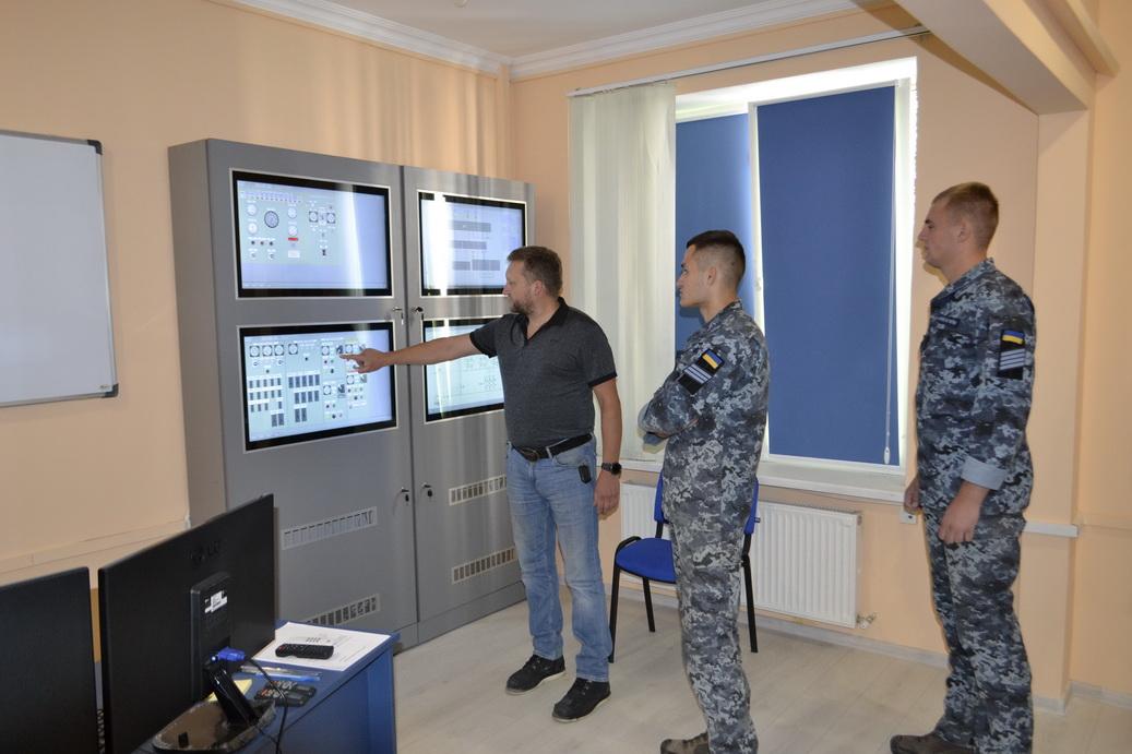 Курсанти Інституту ВМС керуватимуть кораблем в умовах, наближених до реальних