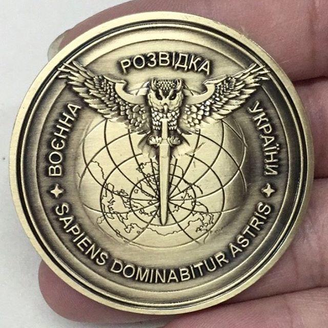 Традиція військового братерства: CHALLENGE COINS