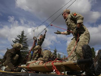 Для чого сержанти проходять смугу реакції?