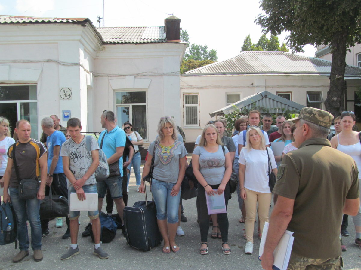 На Харківщині побільшало охочих служити у війську
