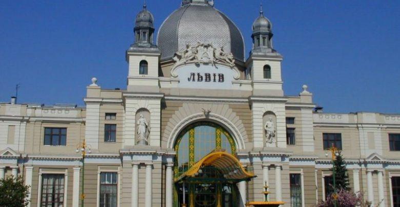 На залізничних вокзалах Львова та Одеси відкрили зали очікування для військових