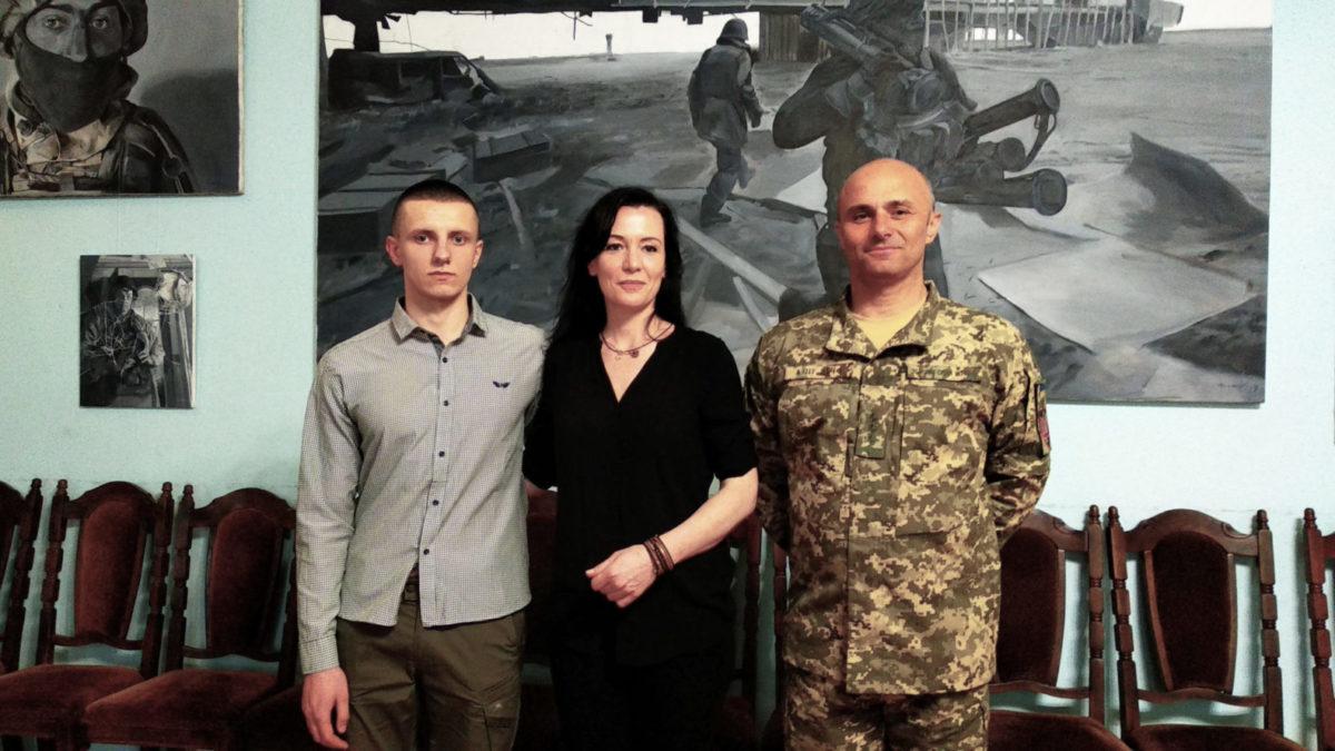 Воєнкор із Франції займеться арт-терапією ветеранів АТО/ООС