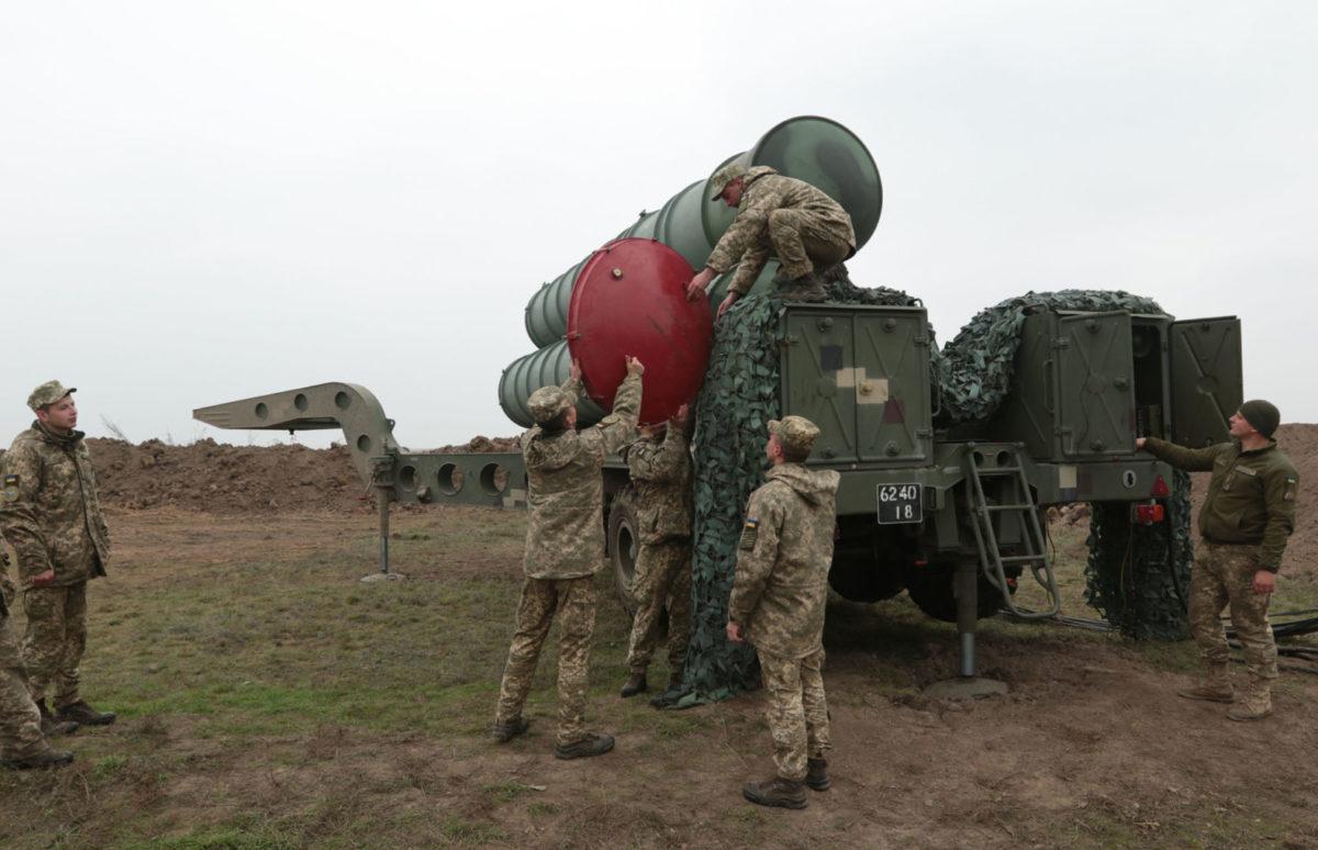 Завершуються приготування до бойових стрільбзенітно-ракетних підрозділів