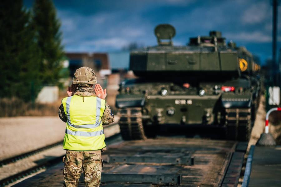 18 британських танків Challenger прибули до Естонії