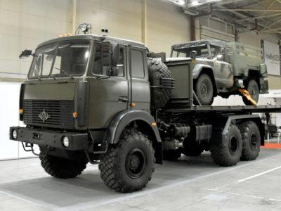 Новий «Богдан-63172L» вивантажує 20-футовий контейнер за хвилину
