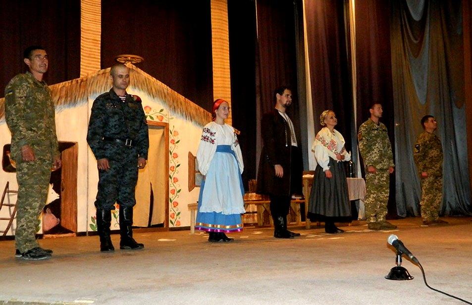Мистецьке повернення на схід: як ветерани-актори гастролюють в містах Донбасу
