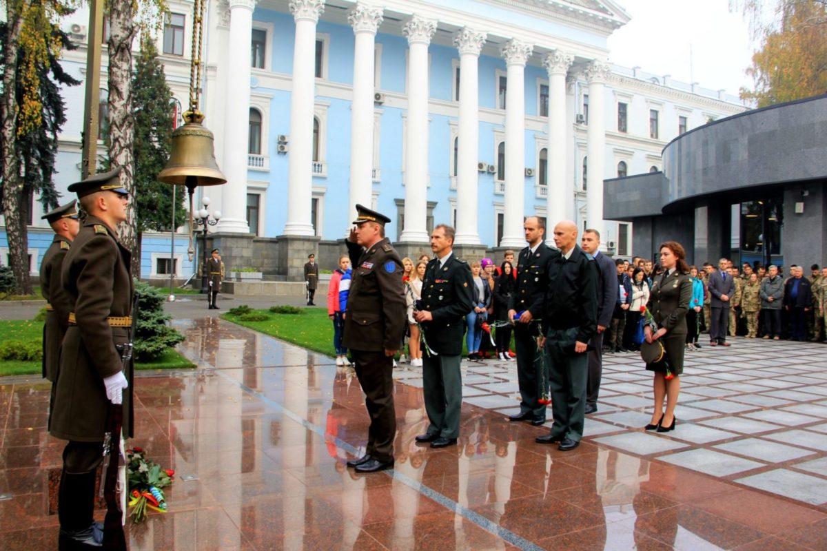 В Міністерстві оборони вшанували загиблих Українських Захисників