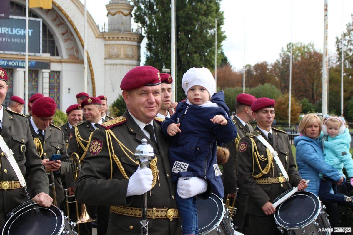 У Києві відбувся масштабний захід із популяризації військової служби «Армі–Я Фест»