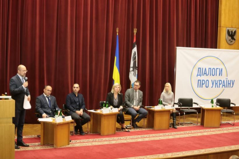 Мир через перемогу: урядовці розпочали серію зустрічей щодо мирного врегулювання ситуації на Донбасі