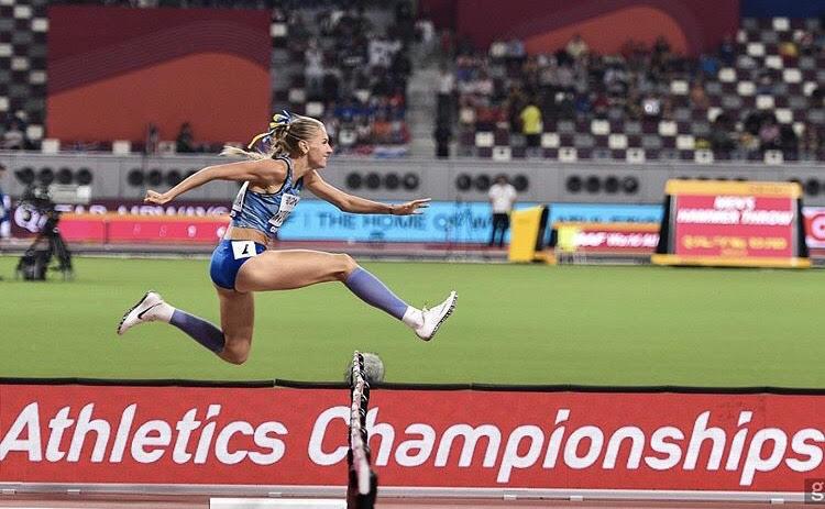 На 7-х Всесвітніх іграх Анна Рижикова та Сергій Смелик здобувають срібні нагороди у легкій атлетиці