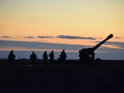 Поблизу Миколаєва вночі літали безпілотники та била артилерія