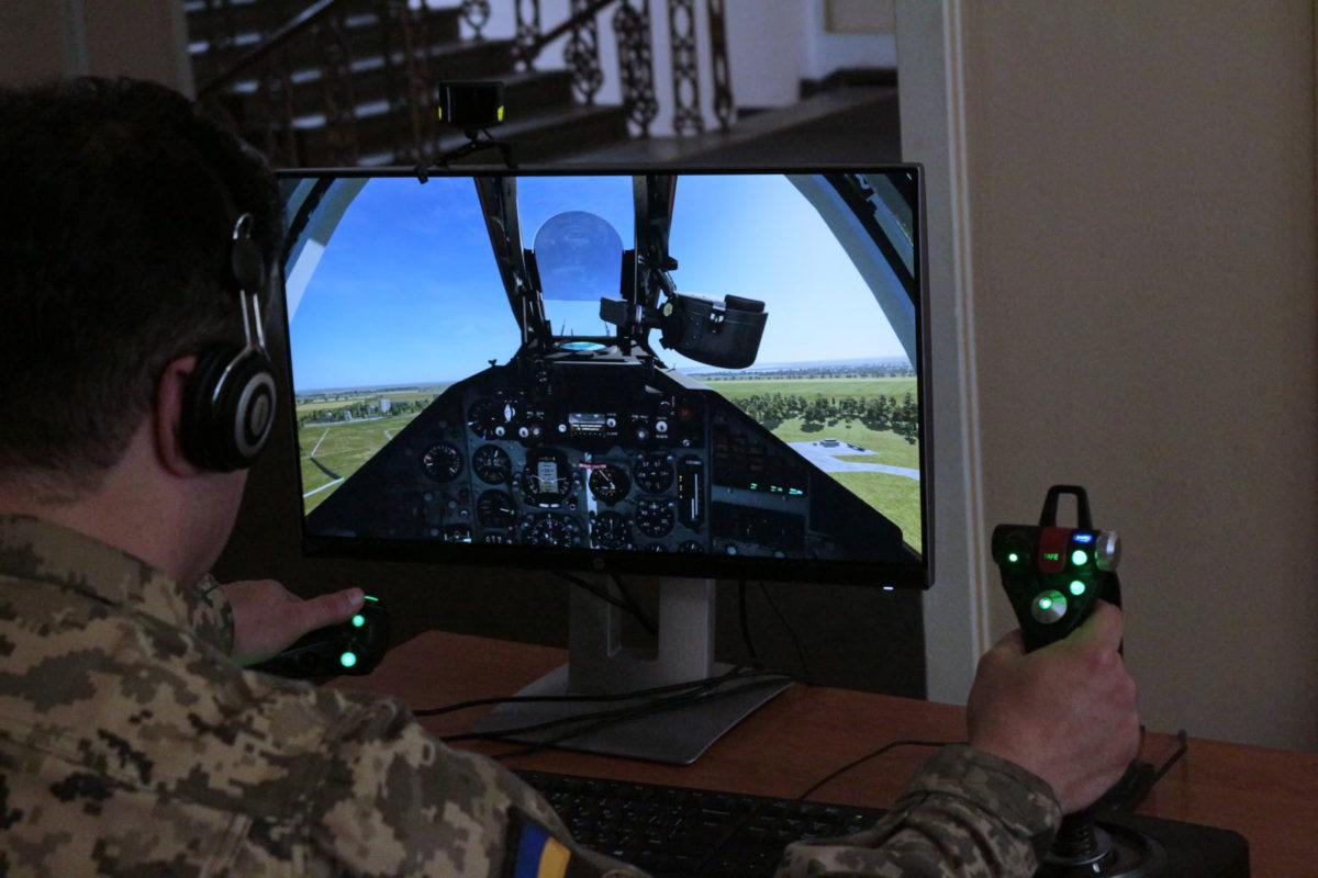 Майбутнім вертолітникам потрібні нові авіаційні тренажери