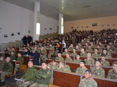 Молодь має знати більше про військо