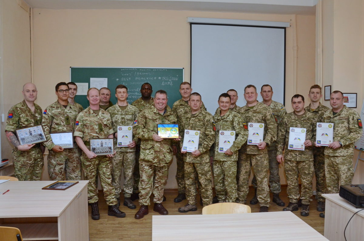 Українські зенітники переймають досвід британських колег
