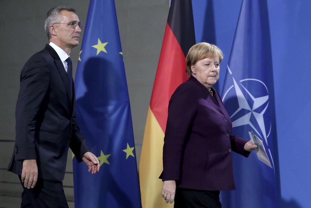Канцлер Німеччини та Генсек НАТО відповіли на слова Макрона щодо НАТО