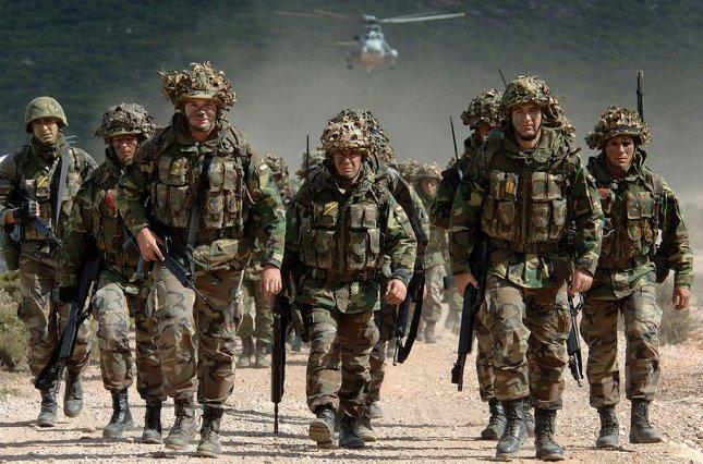 Меркель виступила за посилене фінансування армії, згадавши про Донбас і Крим
