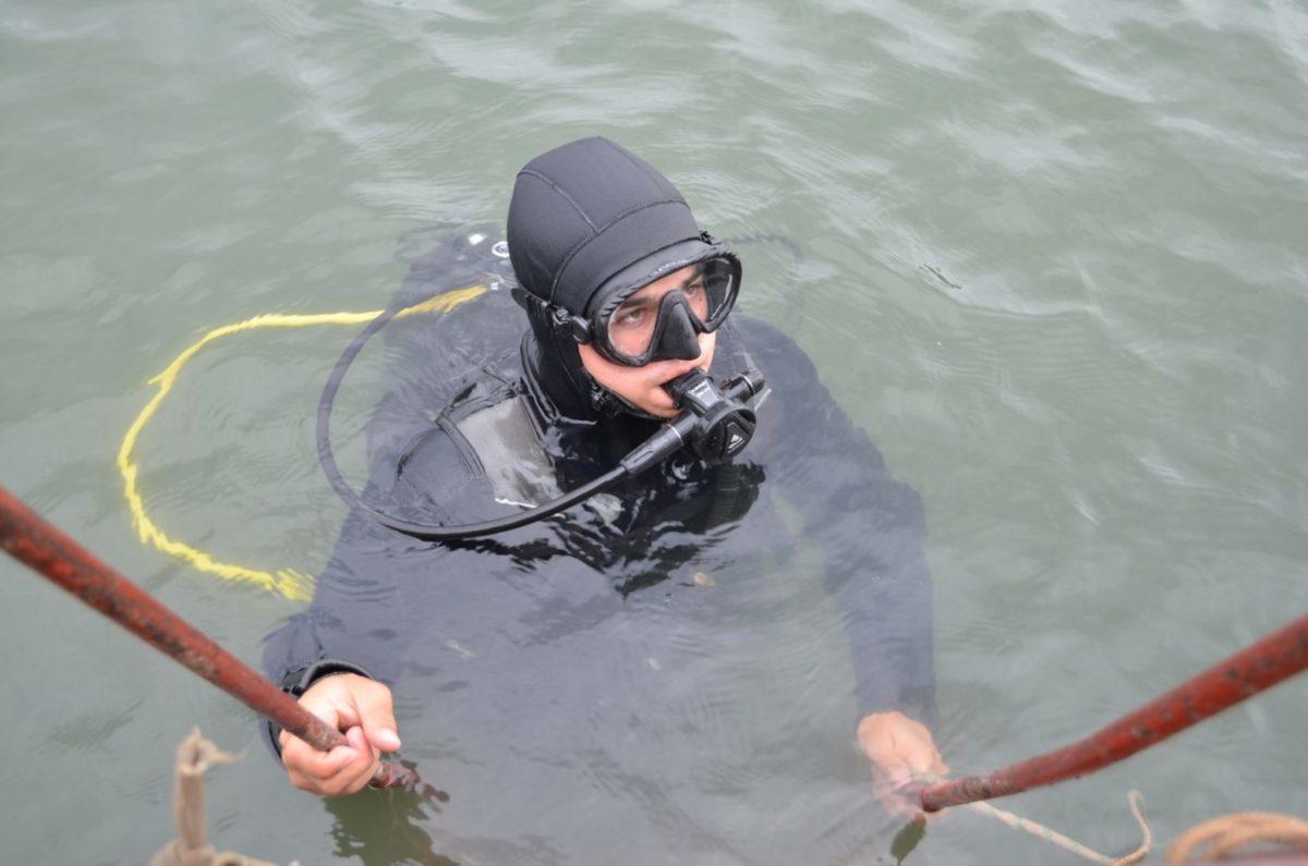 Військові водолази готуються розміновувати прифронтові водойми