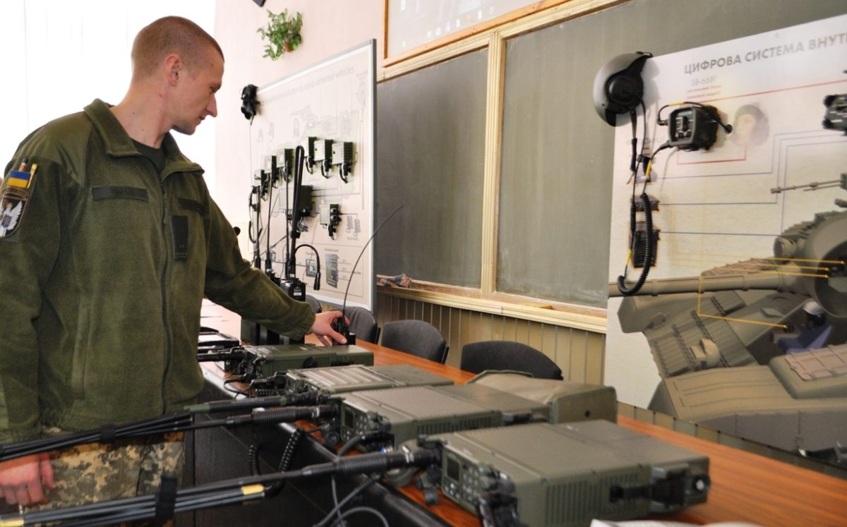 У Військовому інституті телекомунікацій та інформатизації імені Героїв Крут триває підготовка призваних офіцерів-зв'язківців