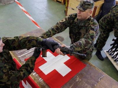 Щеплення від пацифізму: як Швейцарія хотіла розпустити свою армію