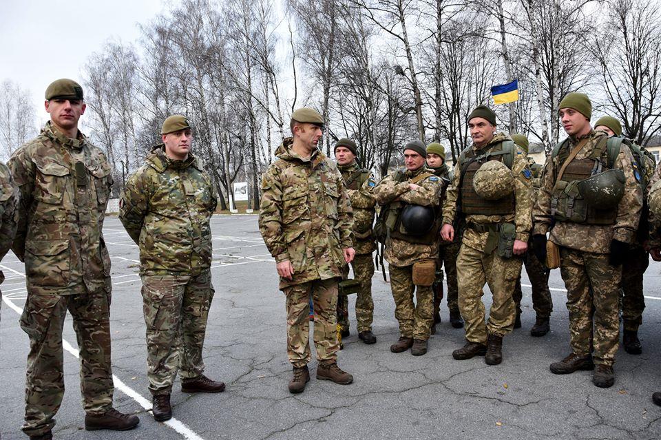 Британські інструктори навчають українських піхотинців за програмою ORBITAL