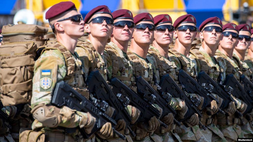 Депутати ухвалили законопроєкт щодо збільшення окладів військовим та надання додаткових відпусток