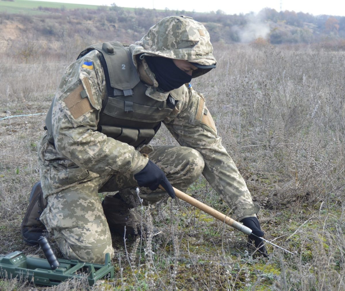 Небезпечно, міни: проблема, яку потрібно вирішувати Україні