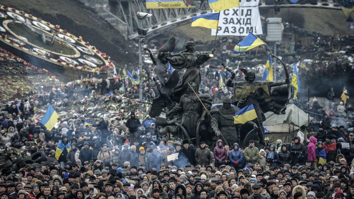 Сьогодні знакове свято новітньої історії України – День Гідності та Свободи