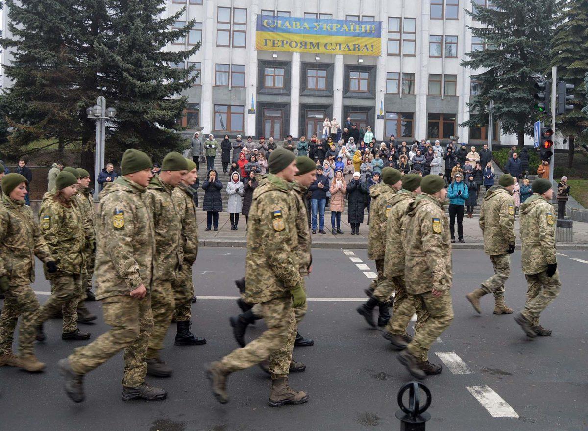 «Хода мужності»: у Тернополі зустріли з ООС артилеристів