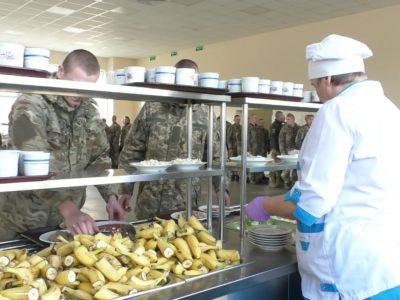 400 продуктів раціону армійської кухні військових із Чернігівщини